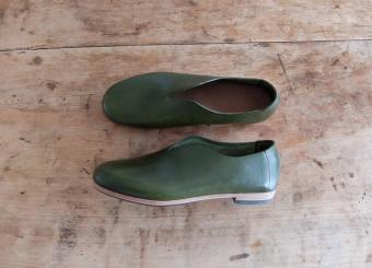 プライベートにも、ビジネスシーンにもおすすめ。冬に履きたくなる革靴特集<3選>