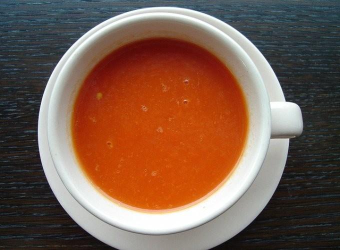 ポーランドの家庭料理『トマトスープ』