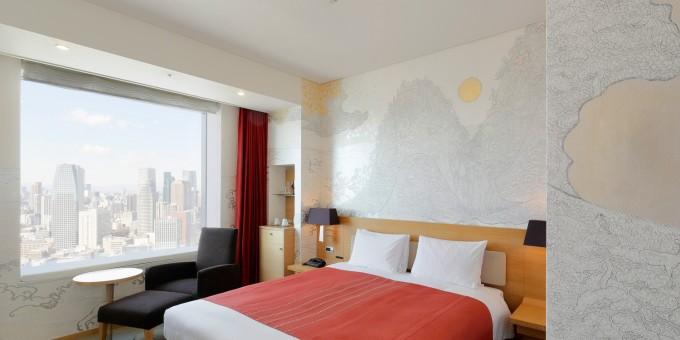 「Artist in Hotel」内の山田純嗣さんが描いた山水画