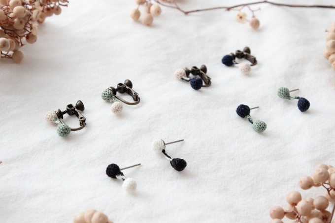 「iroiro(イロイロ)」の極細ヤーンが生み出す繊細なピアスやイヤリング