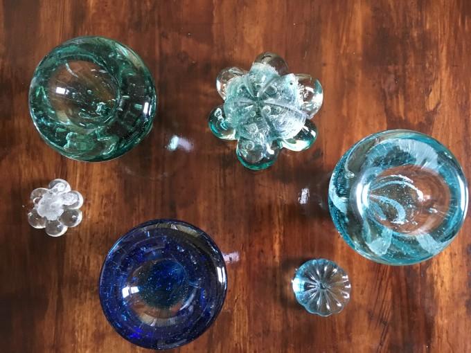 ガラス工房「日月-hizuki-」で生み出されるガラスたち