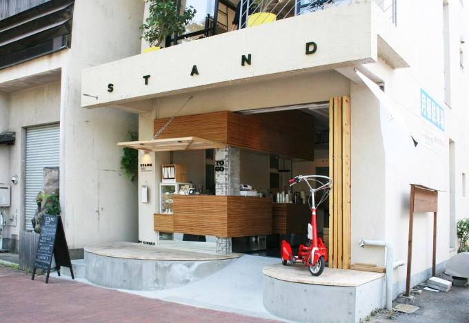岡山市のコーヒースタンド『stand(スタンド)』の外観