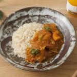 トッピング野菜がアクセント。食材の旨みが溶け込んだ「ベジタリアン野菜カレー」のレシピ