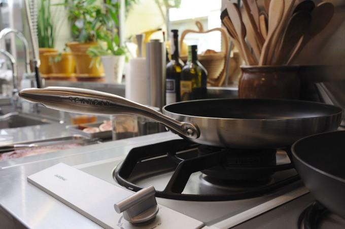 調理器具スキャンパンのあるキッチン2