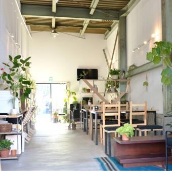 多彩な人々が集う空間。「ゲストハウス 東京ヒュッテ」の魅力