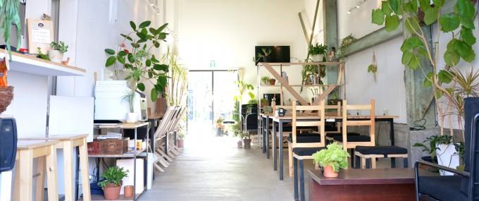「ゲストハウス 東京ヒュッテ」のWi-Fi完備、コワーキングスペース