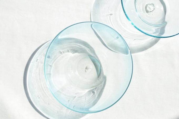 吹きガラス工房琥珀の廃ビンを利用した円錐型のお皿