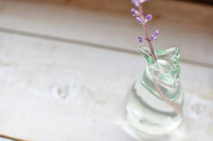 吹きガラス工房琥珀の廃ビンを利用した花瓶