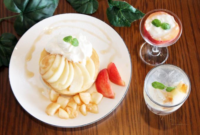 桃を贅沢に使ったスイーツ「cafeblow」