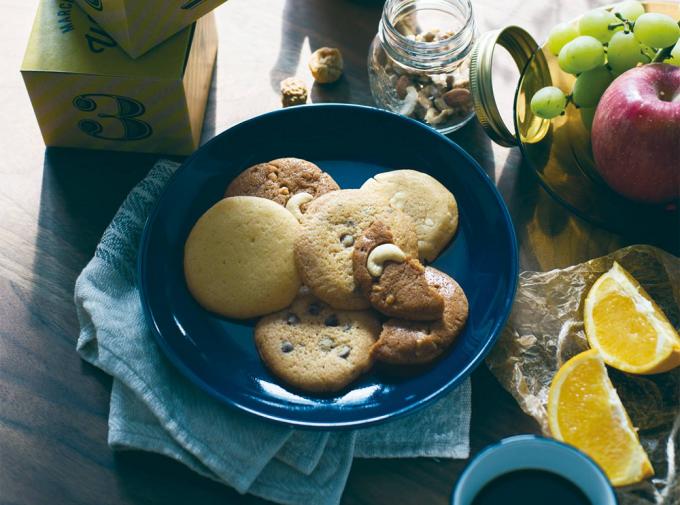 お皿に並んだ日曜日のクッキー。のクッキー