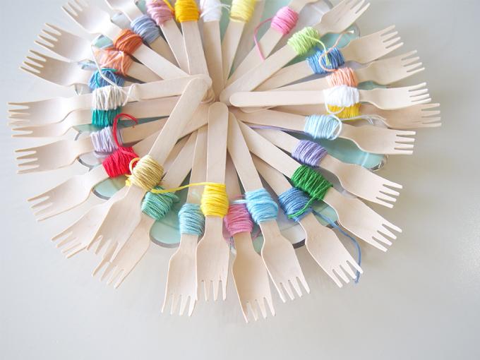 刺繍カフェのカラフルな刺繍糸