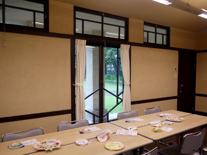 矢崎順子さん「刺繍カフェ」のワークショップの風景