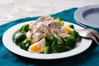 〈旬レシピ〉手間いらずでさっぱり食べられる!夏のおすすめヘルシーサラダ3品