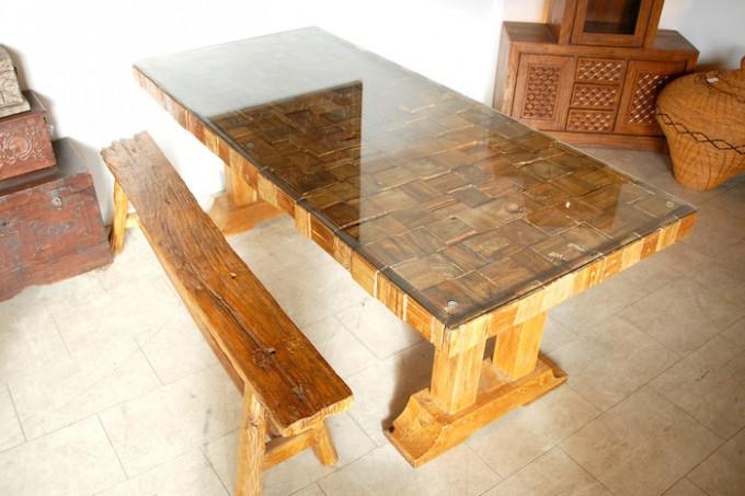 KAJAのインテリア「CHISTA ウッドピース ダイニングテーブル」
