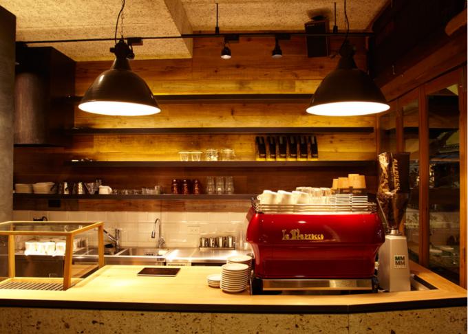 「MONZ CAFE」こだわりの内装