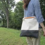 世界で一つの手づくり2WAYバッグ。ペイントと帆布が組み合わさった「05fem.」