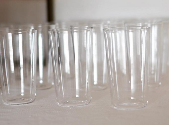 シンプルでスタイリッシュなグラス