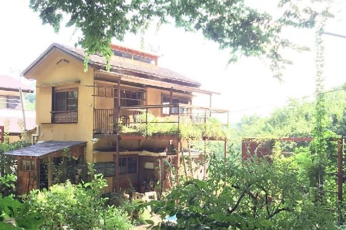 千葉県流山市にある「Cafe ONIWA(カフェ オニワ)」はお庭に囲まれた小さな古民家カフェ