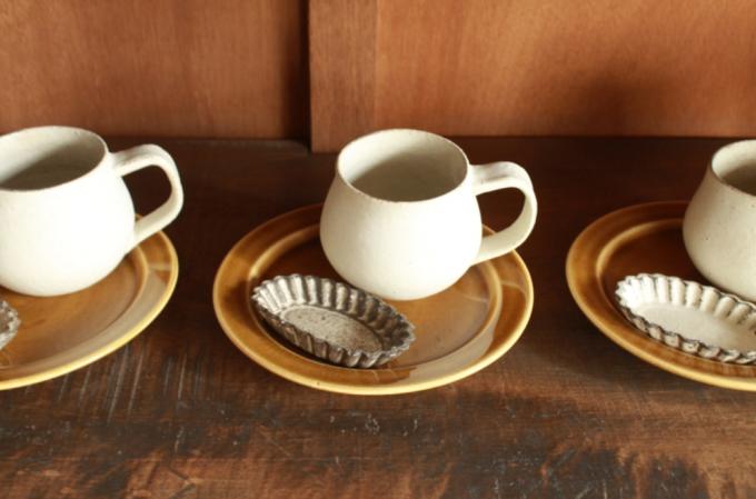 小谷田潤(こやたじゅん)さんのマグカップ、リム皿、豆皿3セット