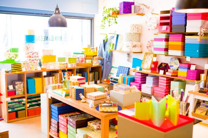 貼箱が並ぶ「BOX&NEEDLE」二子玉川店の店内
