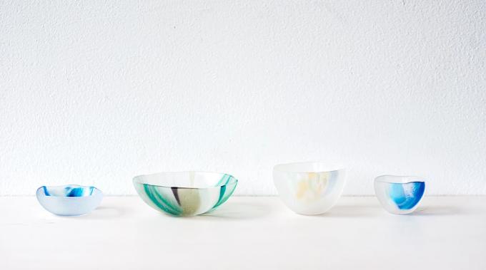 ガラス作家沖田奈央さんのお皿数種類