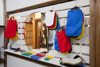 カタカタとミシンの音が心地よい工房。手仕事から生まれる帆布バッグ「ko'da style」<前編>