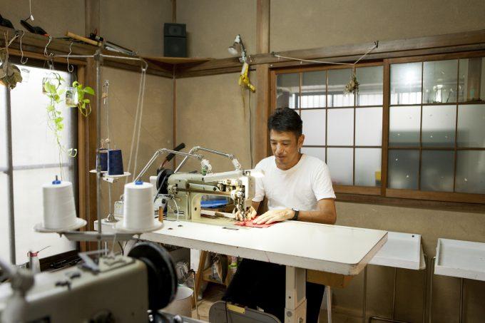 セミオーダーのバッグを作るKo'da styleの職人のこうださん