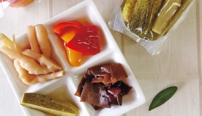 夏野菜のパプリカ、きくらげ、きゅうり、葉しょうがの4種