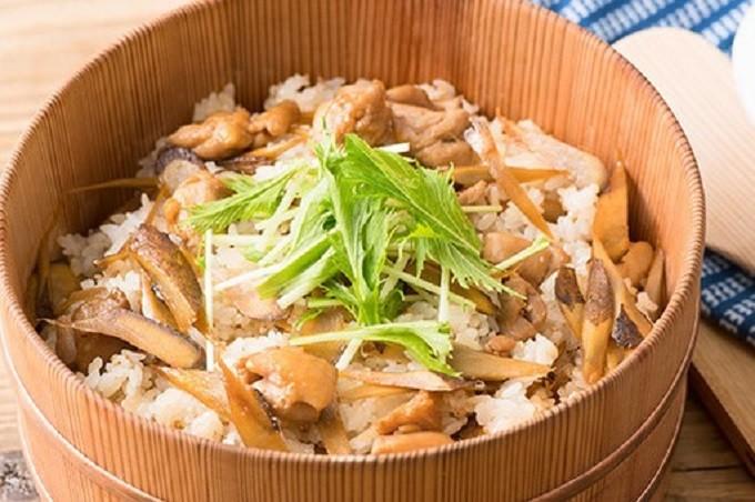 お弁当レシピ。鶏ごぼうのちらし寿司2