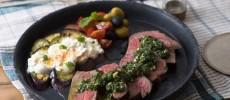 トルコ風2色のミントソースとお肉