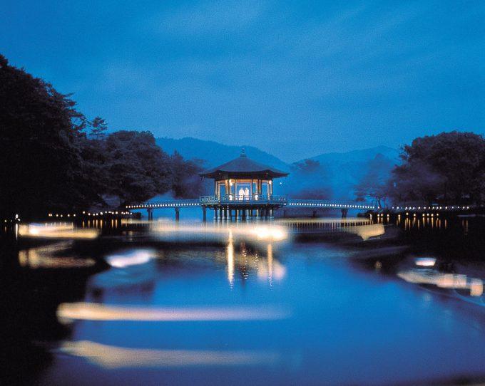 奈良の穴場スポット「浮見堂」夜景