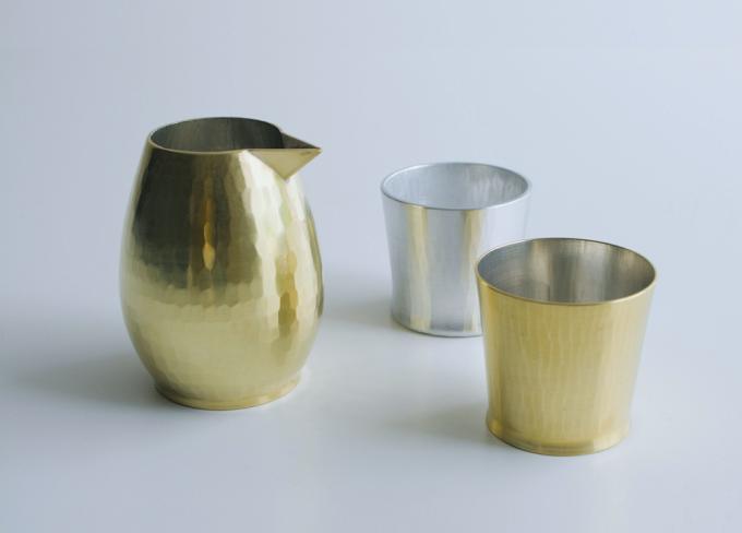 「Sfera(スフェラ)」の鍛金で作られたカップ3つ