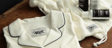 「TENERITA」のオーガニックコットンのパジャマなどのトラベルセット