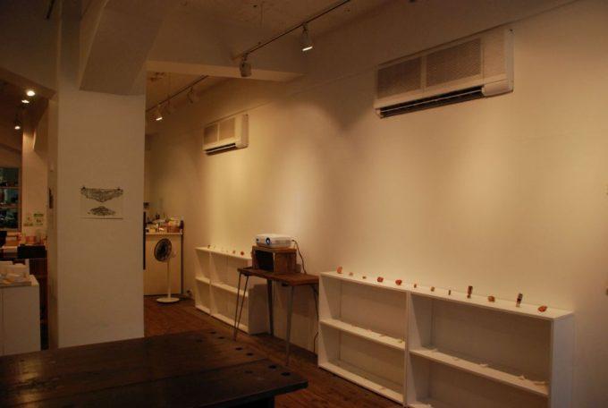 展示物が飾られている「馬喰町ART+EAT」の店内