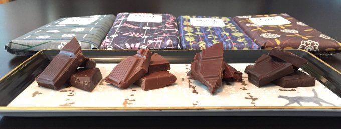 左から塩キャラメル・ミルク・カカオニブ・ダークの「ミルラチョコレート」