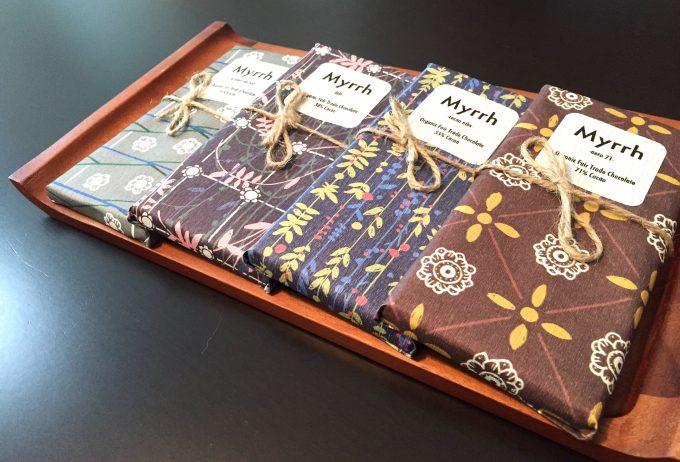 「ミルラチョコレート」はオランダ柄がプリントされた伊予和紙で手包みされたチョコレート
