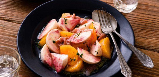 「もものすけと柿のサラダ」の写真