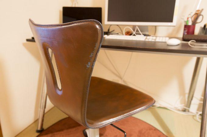 DIYをして椅子の色味を変更した