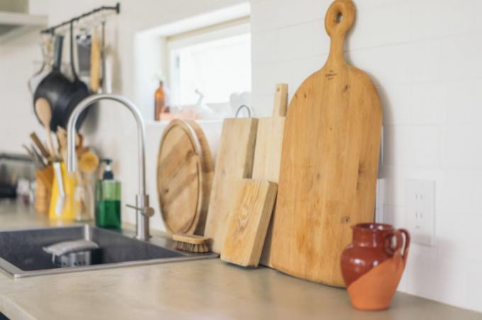 キッチンに「木」の素材を使ったツールで温かみをプラス