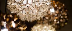 秋の夜長をおしゃれに演出。ぬくもりの光が灯る「KAJA」のランプ<6選>