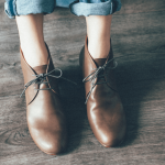 秋の装いにぴったり。足を優しく包み込む「chausser」の革靴特集