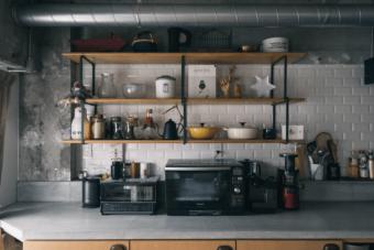 生活感を取り去る。置くだけ、変えるだけで叶うキッチンをおしゃれにする方法