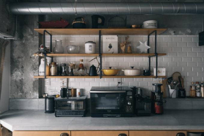 簡単キッチンおしゃれ術。お気に入りのキッチンアイテムを見せる収納