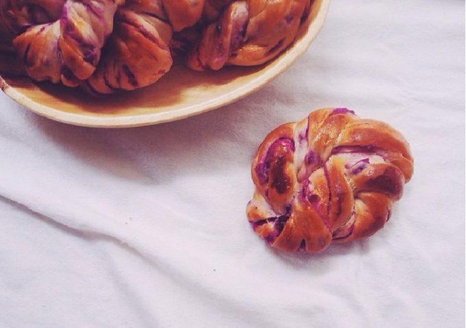紫芋を練りこんだ「紫芋パン」の作り方