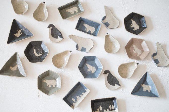 「苔色工房(コケイロコウボウ)」の豆皿の写真