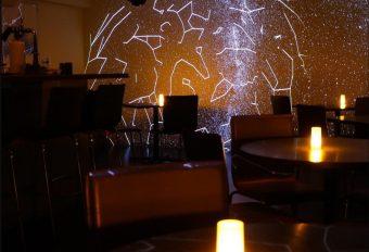 満天の星を店内で。美味しい料理と星座が楽しめる「星カフェ SPICA(スピカ)」