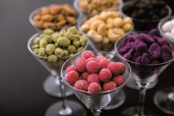 年末年始の手土産は一目置かれるものを。「Beans Nuts」のカラフルで可愛い豆菓子ギフト