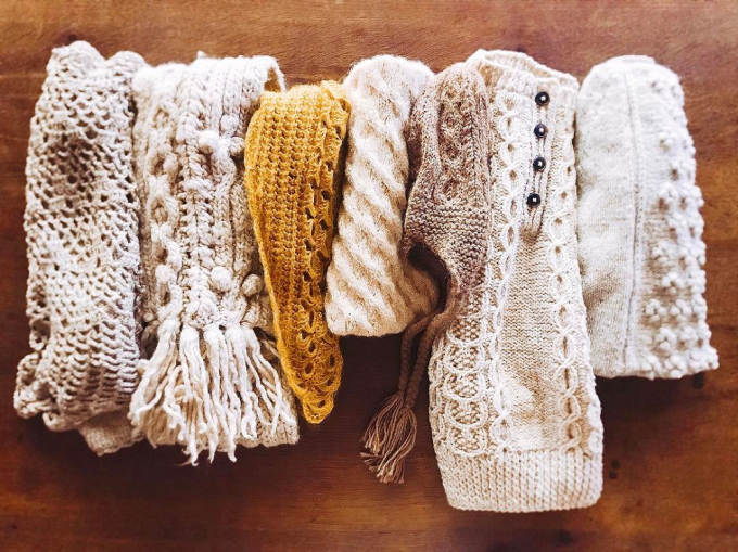 「amuhibi knit」のニット数種類