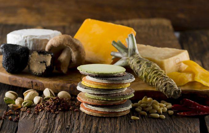 創作料理のようなお菓子「クアトロえびチーズ・ルッソ【Lusso】」