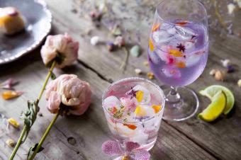 視覚でも味覚でもお花を味わう。日本初のドライフラワーカフェ&バー「HANABAR」